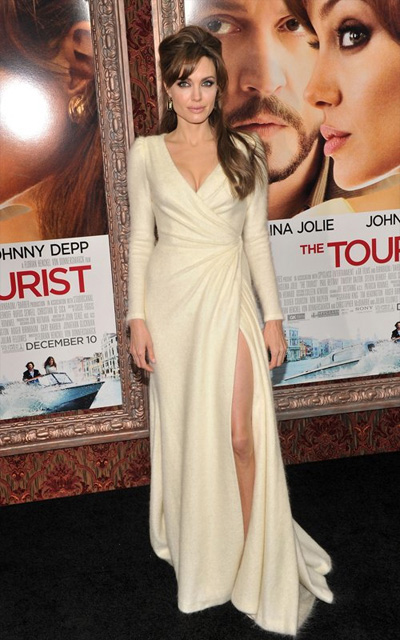 "Angelina Jolie wore Versace to the World Premiere of ""The Tourist"" in New"