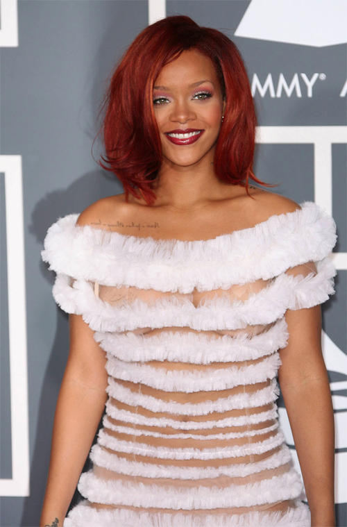Rihanna at 2011 Grammys - Makeup and Beauty blog | TalkingMakeup.com