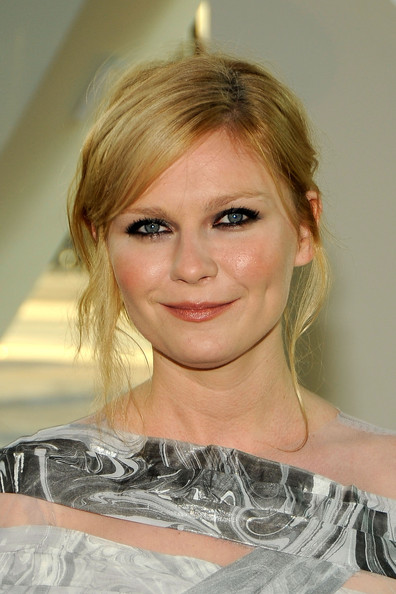 How To Get Kirsten Dunst's Hairstyle at the 2009 CFDA Fashion Awards