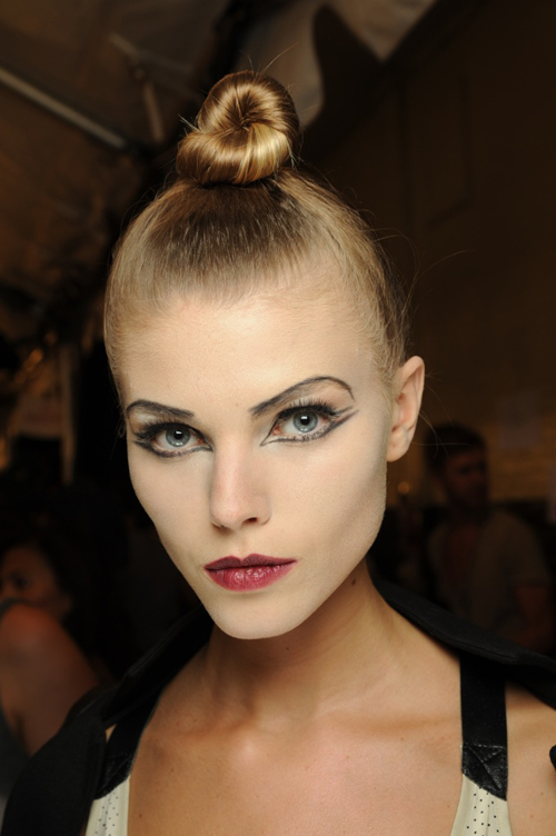 New York Fashion Week Spring 2010 Makeup Trends: Marc - Theatre Makeup