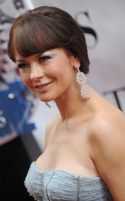 Catherine Zeta Jones At The 2010 Tony Awards Makeup And Beauty Blog Talkingmakeup Com