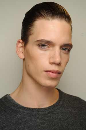 men in makeup. Here is how to get the makeup