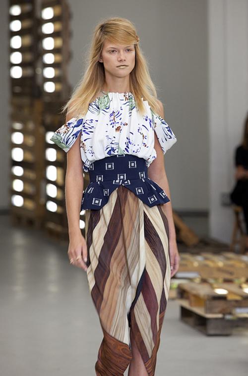 Rodarte Spring/Summer 2011 Fashion Show - Makeup and ...