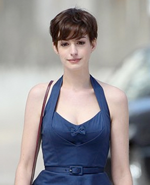 Anne Hathaway Pixie Haircutmakeup Beauty Blog World