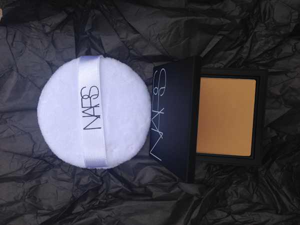 NARS All Day Luminous Powder Foundation in STROMBOLI
