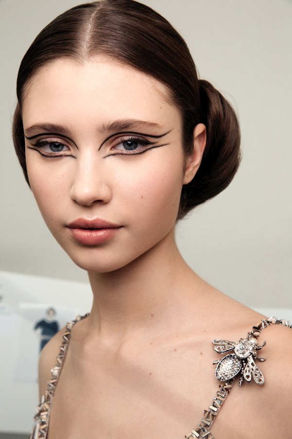 CHANEL 2016 Spring-Summer Makeup