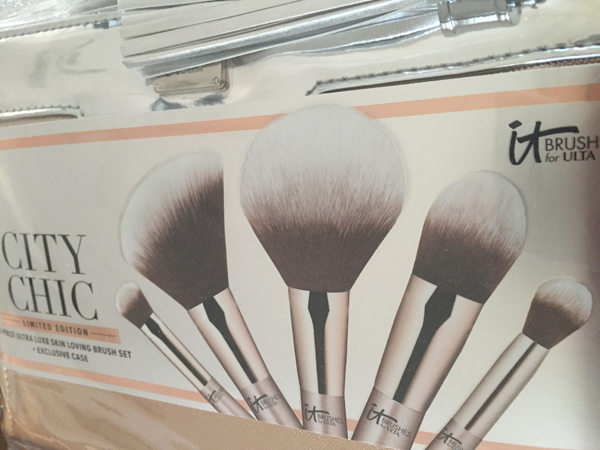 IT Brushes For Ulta City Chic Brush Set