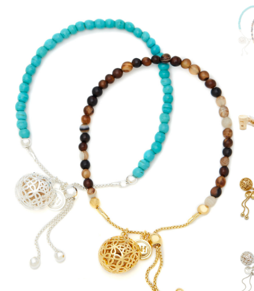 Lisa Hoffman's Friendship Bracelet Duo